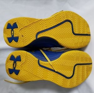 Under Armour Shoes - Under Armour basketball ball shoes, size 7